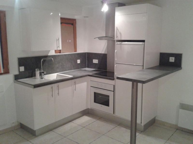 Rental apartment Saint laurent du var 600€ CC - Picture 1