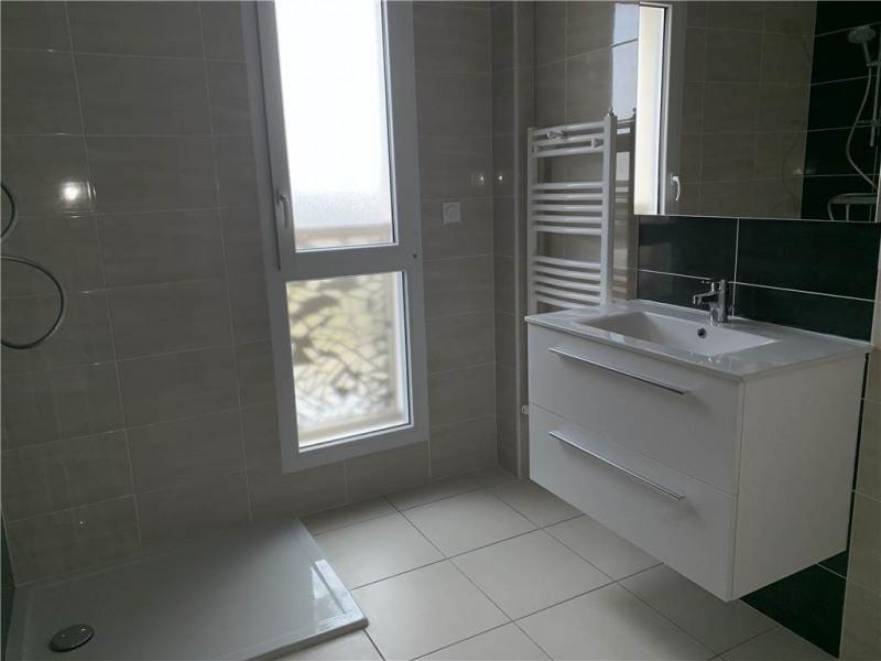 Location appartement Laissac 570€ CC - Photo 3