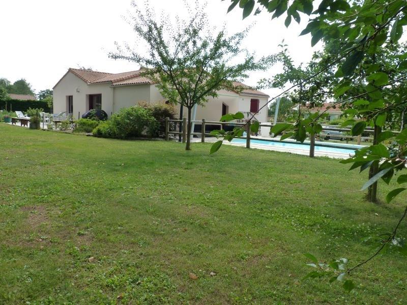 Sale house / villa La chaize le vicomte 375000€ - Picture 6