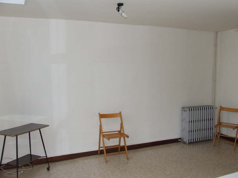 Rental apartment Avesnes sur helpe 400€ CC - Picture 2