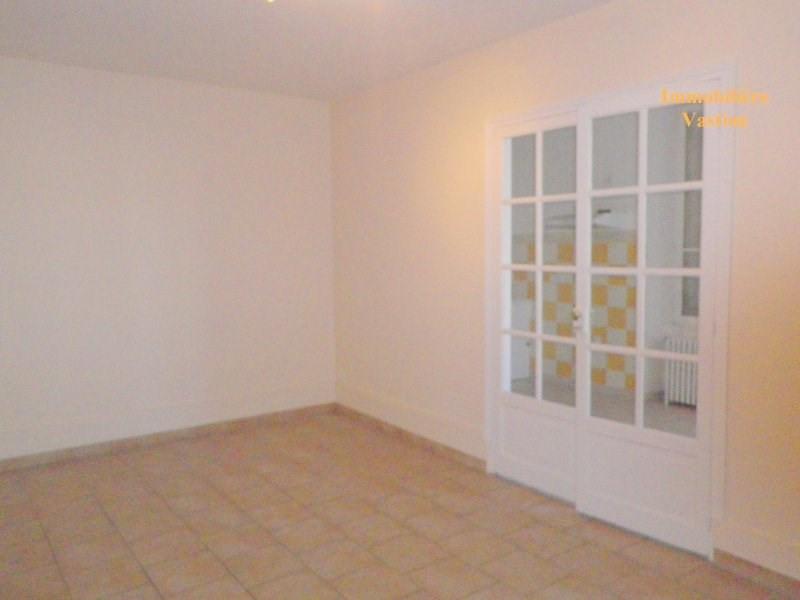 Rental apartment Mont l eveque 730€ CC - Picture 2