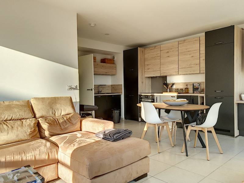 Vendita appartamento Saint laurent du var 389000€ - Fotografia 9