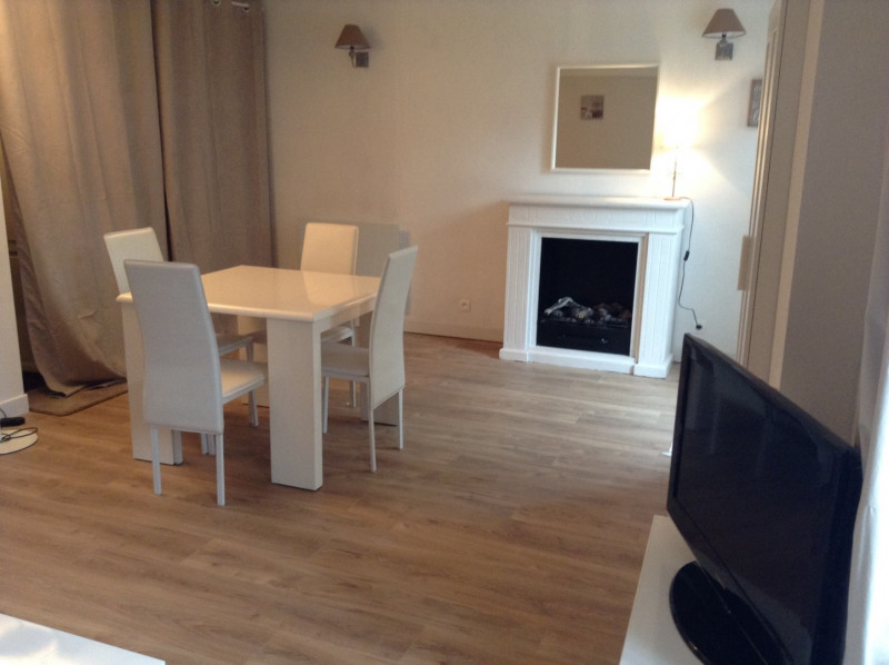 Rental house / villa Fontainebleau 1 300€ CC - Picture 2