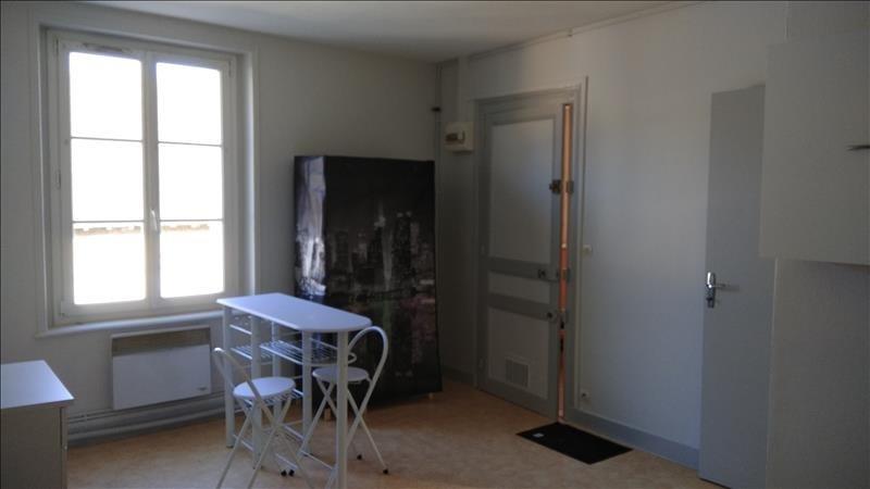 Location appartement Meslay 250€ CC - Photo 2
