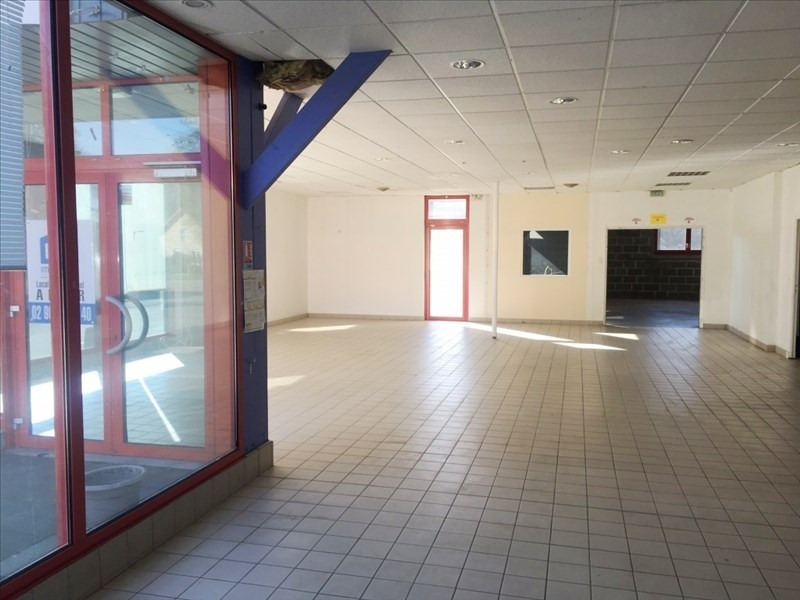 Location local commercial Fougeres 1 850€ HT/HC - Photo 3