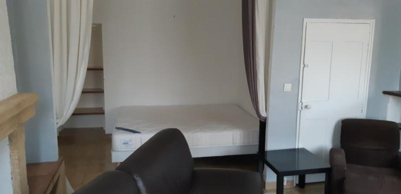 Verhuren  appartement Lambesc 750€ CC - Foto 3