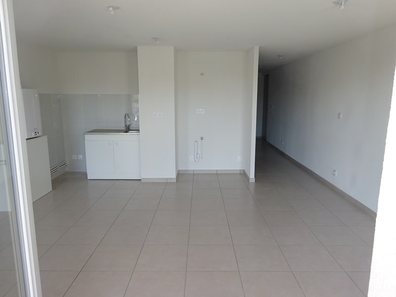 Location appartement Bron 640€ CC - Photo 3