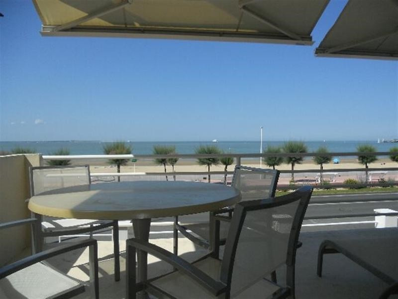 Vacation rental apartment Royan 1 300€ - Picture 1