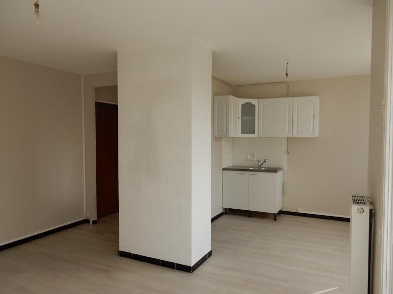 Location appartement St martin d'heres 597€ CC - Photo 2