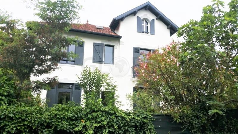 Deluxe sale house / villa Bayonne 960000€ - Picture 1
