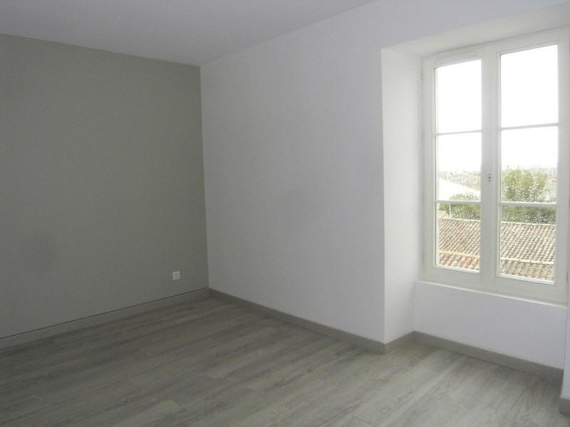 Rental apartment Cognac 615€ CC - Picture 3