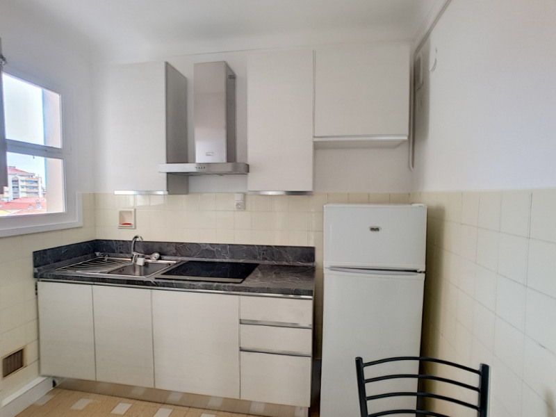 Location appartement Menton 951€ CC - Photo 4