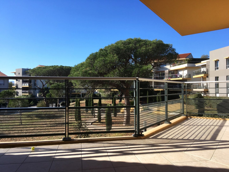 Rental apartment Fréjus 1015€ CC - Picture 2