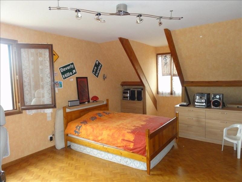 Sale house / villa Montfort l amaury 584000€ - Picture 2