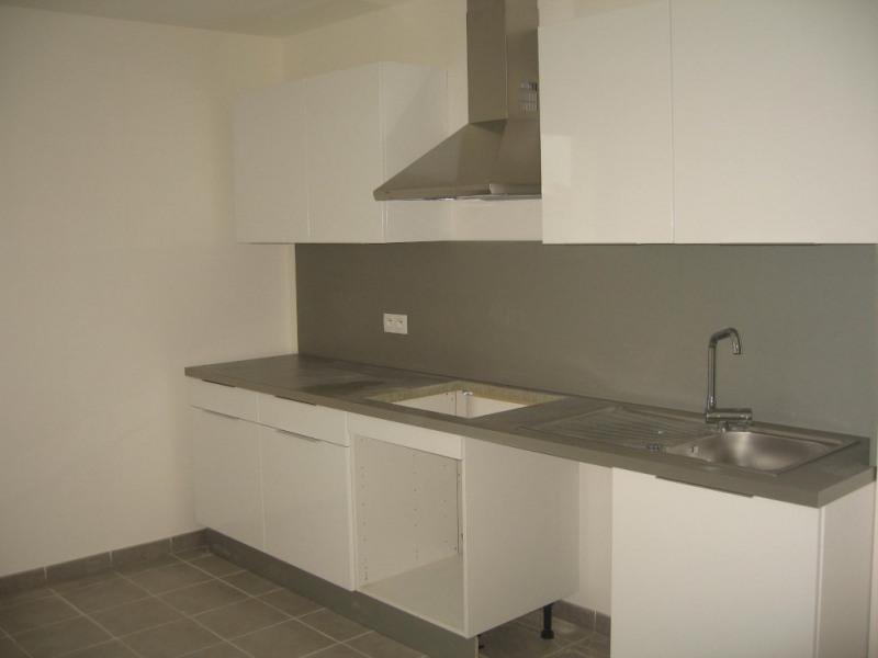 Sale apartment Marignane 250000€ - Picture 2