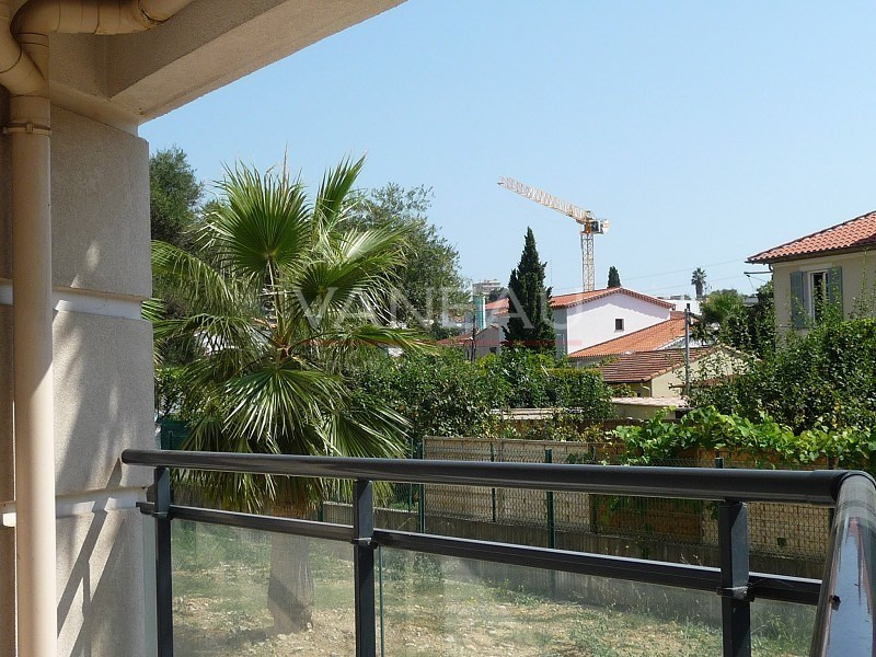 Vente de prestige appartement Juan-les-pins 260 000€ - Photo 1