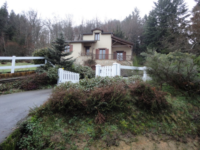 Sale house / villa Chaptelat 199500€ - Picture 2