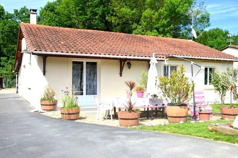 Sale house / villa St seurin sur l isle 178900€ - Picture 1