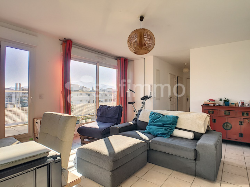 Rental apartment Marseille 5ème 919€ CC - Picture 2