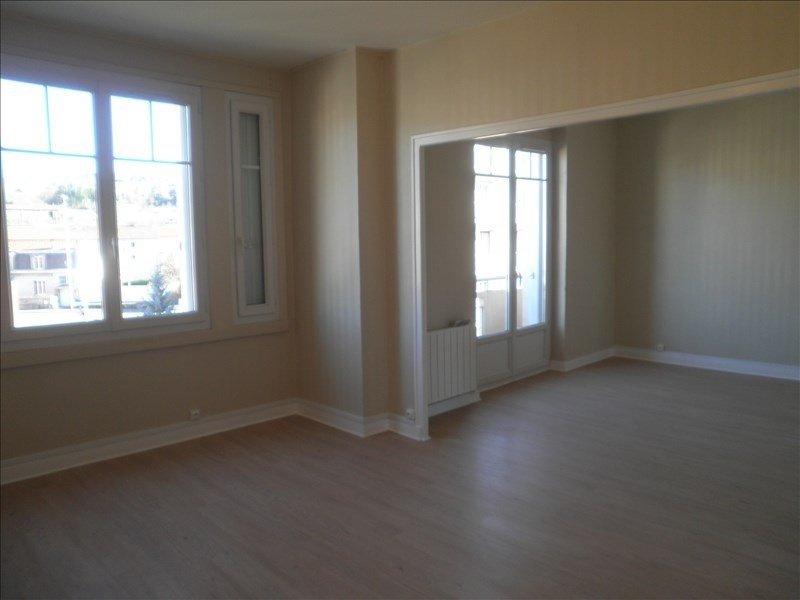 Rental apartment Le puy en velay 581,79€ CC - Picture 2