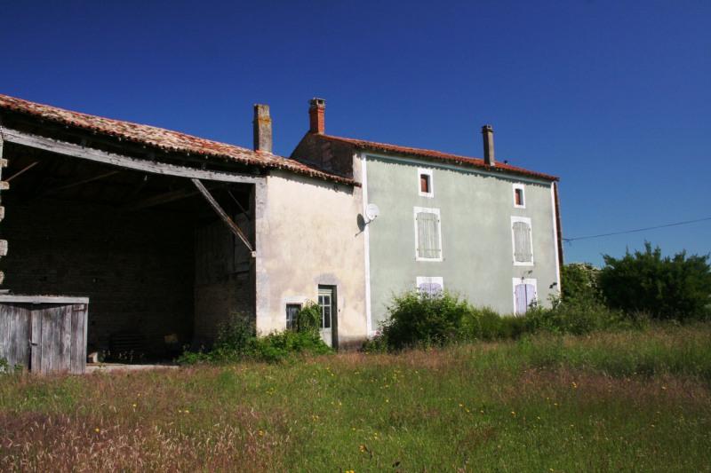 Sale house / villa Chef-boutonne 60500€ - Picture 9