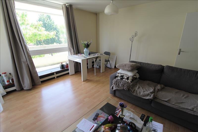 Location appartement Elancourt 784€ CC - Photo 1