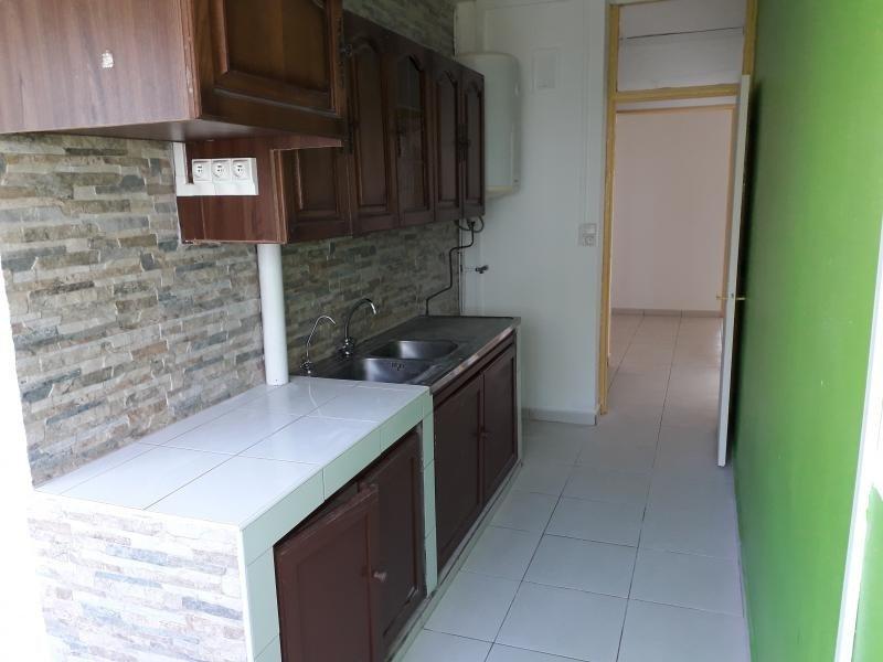 Rental apartment St francois 625€ CC - Picture 2