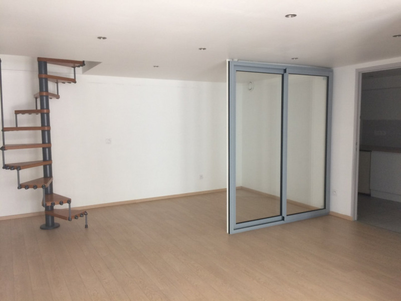 Sale empty room/storage Oullins 165 000€ - Picture 4