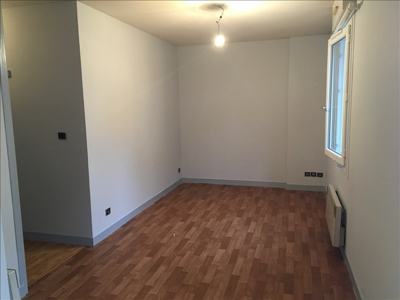 Rental apartment Vendome 313€ CC - Picture 2