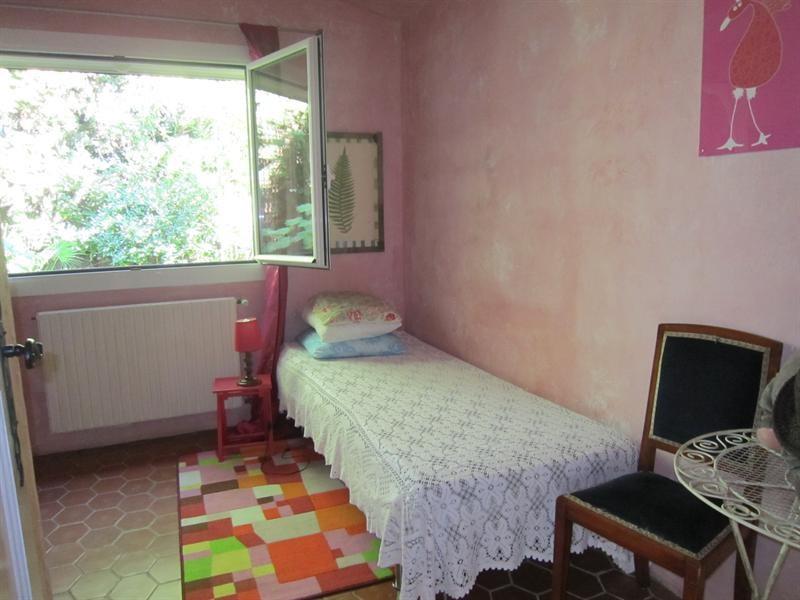 Location vacances maison / villa Cavalaire sur mer 1000€ - Photo 12