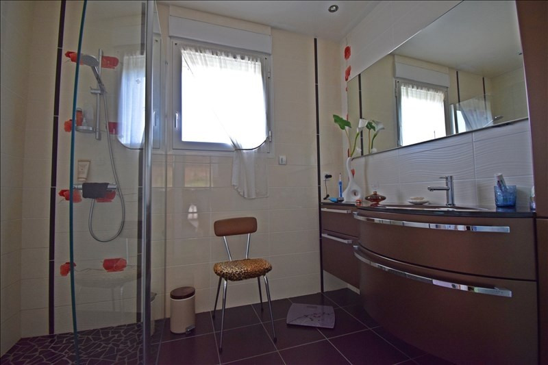 Sale house / villa Villemontais 339000€ - Picture 8