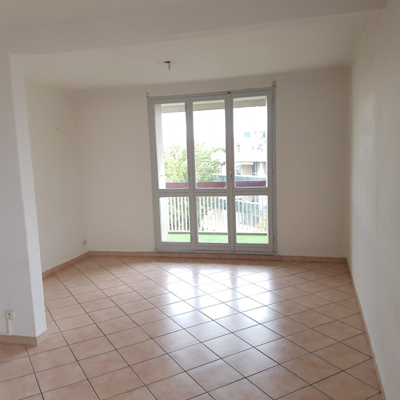 Rental apartment Aix-en-provence 860€ CC - Picture 1