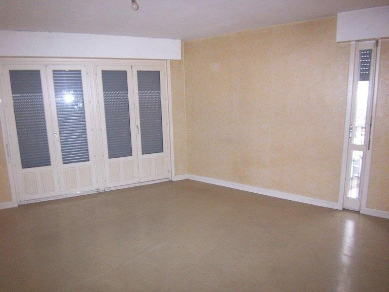 Location appartement Troyes 390€ CC - Photo 3