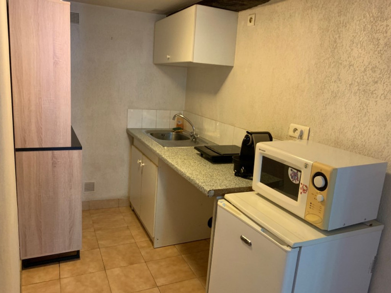 Location appartement Le mesnil le roi 640€ CC - Photo 2