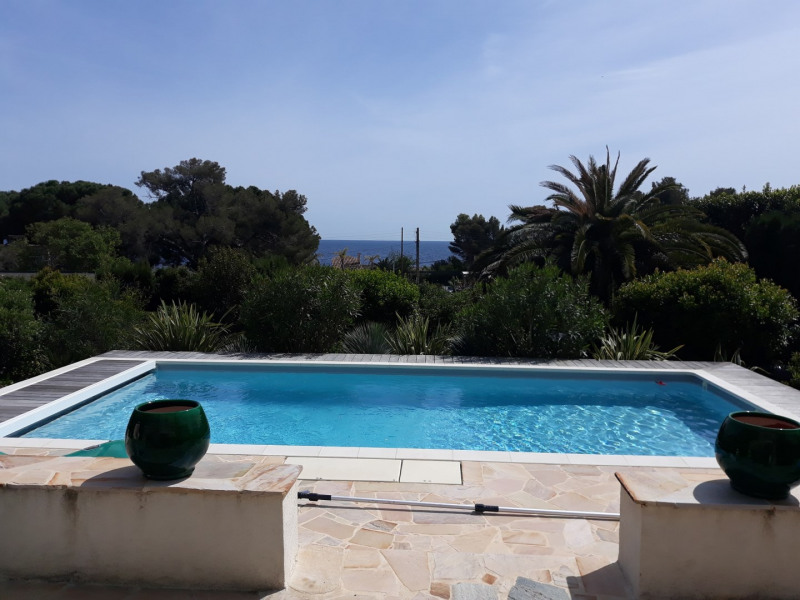 Vacation rental house / villa Les issambres 1 500€ - Picture 1