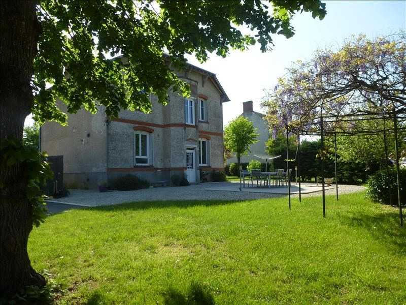 Sale house / villa Tigy 236000€ - Picture 1