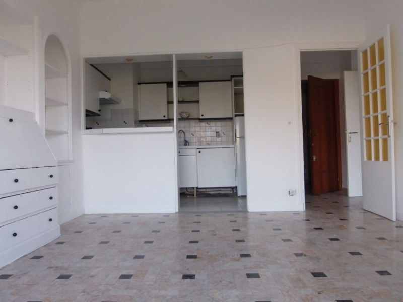 Rental apartment Nice 830€ CC - Picture 1