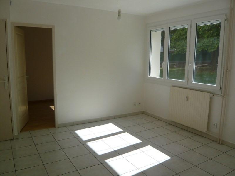 Rental apartment Pont de cheruy 490€ CC - Picture 2