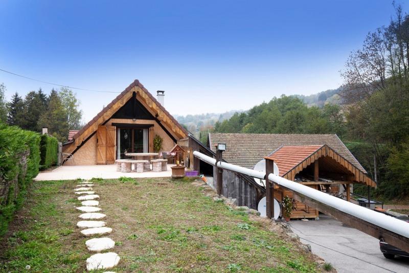 Sale house / villa Laval 450000€ - Picture 2
