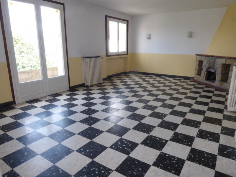 Location appartement Aubenas 647€ CC - Photo 2