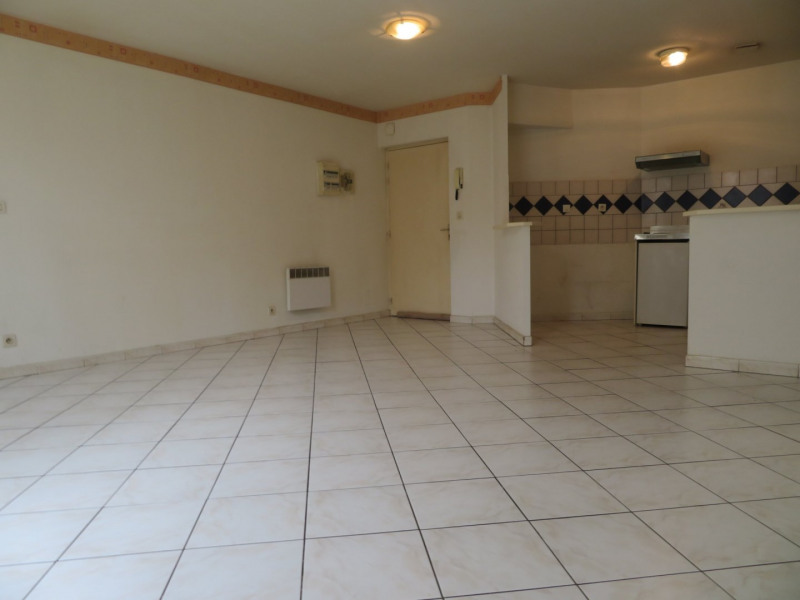 Rental apartment Agen 490€ CC - Picture 2