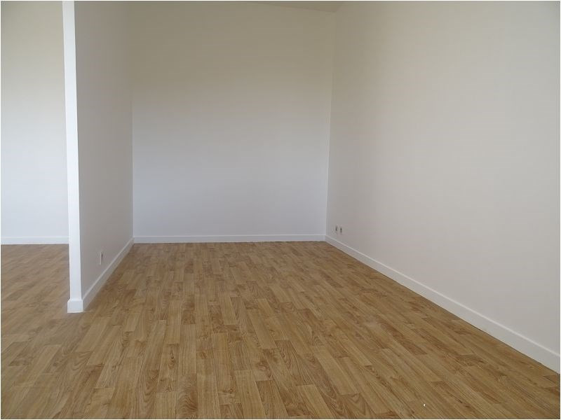 Rental apartment Bretigny 591€ CC - Picture 2