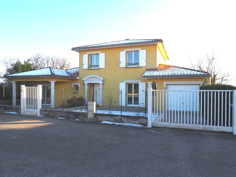 Sale house / villa Lapeyrouse mornay 231600€ - Picture 8