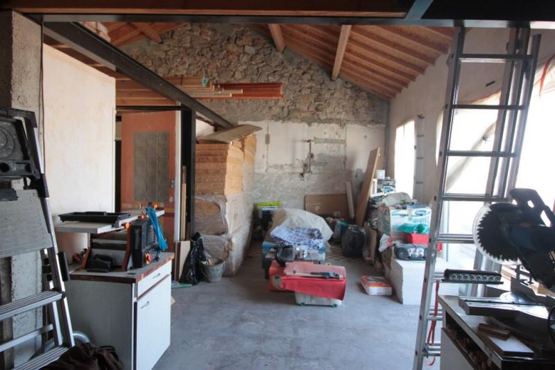 Sale apartment Marseille 137000€ - Picture 2