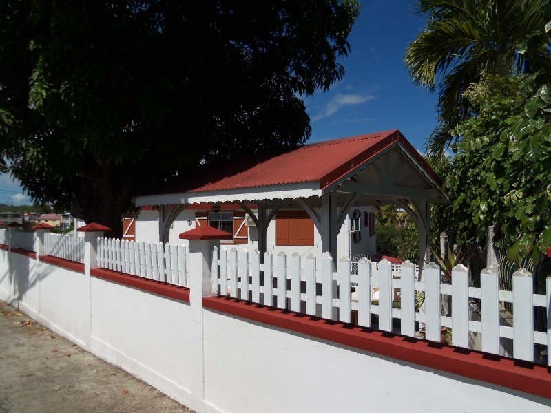 Rental house / villa Le gosier 1000€ CC - Picture 1