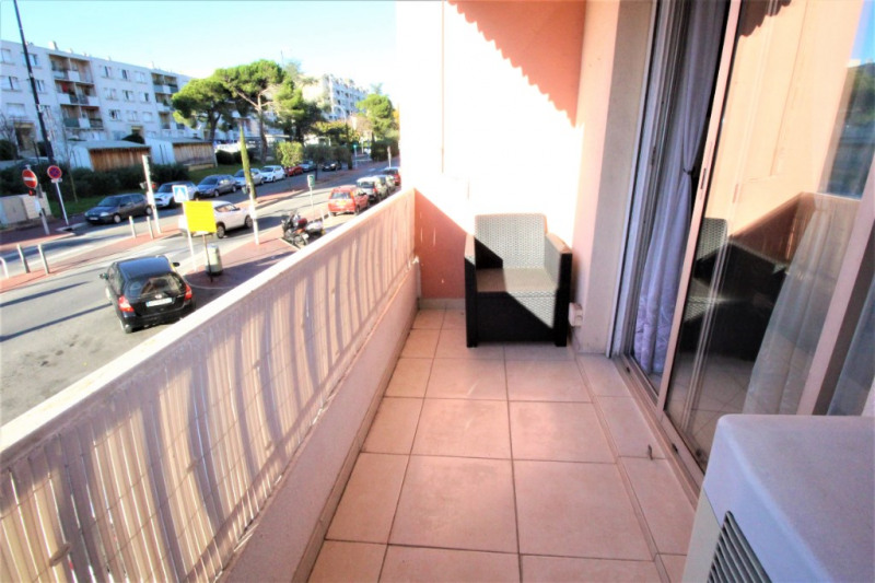 Location appartement Cannes 1 290€ CC - Photo 8