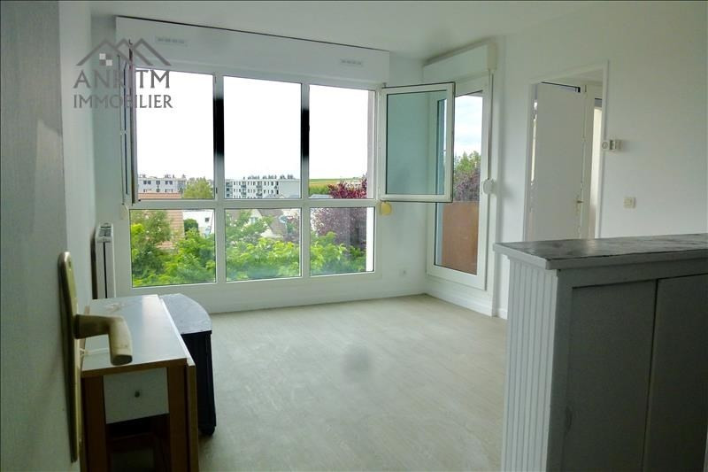 Sale apartment Plaisir 129990€ - Picture 1