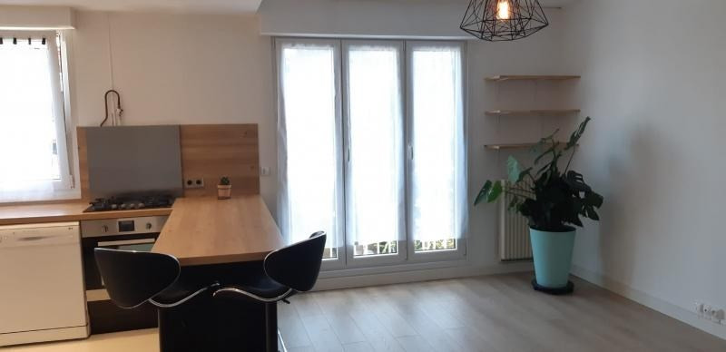 Rental apartment Maisons-laffitte 1 128€ CC - Picture 2