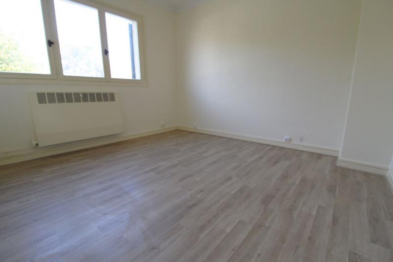Sale house / villa Maurepas 331000€ - Picture 6