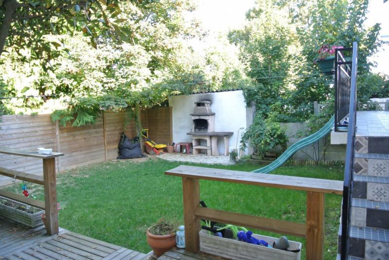 Sale house / villa Villemomble 398000€ - Picture 1